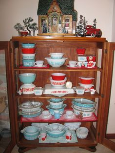 Vintage red & aqua Pyrex collection of Butterprint, Friendship, & Snowflake prints in cabinet at Christmas Vintage Kitchenware, Vintage Dishes, Vintage Glassware, Vintage Pyrex, Turquoise Kitchen, Red Kitchen, Kitchen Decor, Red Turquoise, Kitchen Colors