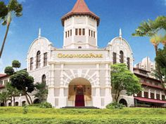 Goodwood Park Hotel is perfectly located for both business and leisure guests in Singapore. Offering a variety of facilities and services, the hotel provides all you need for a good night's sleep. To be found at the hotel are safety deposit boxes, me Singapore Travel, Hotels And Resorts, Best Hotels, Top Hotels, Hotel Stay, Park Hotel, Airport Hotel, Hotel Suites, Travel