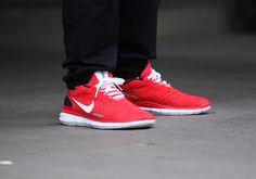 http://www.afew-store.com/bilder/produkte/gross/Nike-Free-OG-14-lt-crimson-white-black_b6.jpg