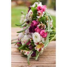 Hand Tied Bouquet, Close Up, Bouquets, Floral Design, Floral Wreath, Wreaths, Table Decorations, Instagram, Floral Crown