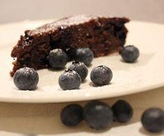 Djevelsk brownie med chili og blåbær