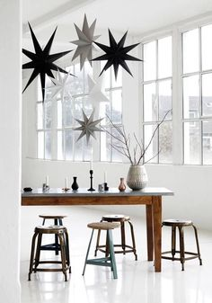 Passion Shake   24 Monochrome Christmas ideas   http://passionshake.com paper stars from house doctor