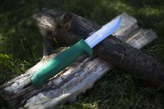 Hultafors Craftmans Heavy-Duty GK Knife Review | More Than Just Surviving | Survival Blog | Preppers & Survivalists | Gear & Knives
