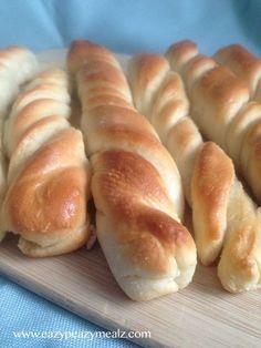 Garlic Bread Twists - Eazy Peazy Mealz