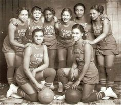 Reflections in Black by Deborah Willis Allen E. Cole Councilman L. Payne's (all female) basketball team. Basketball History, Basketball Teams, Girls Basketball, Basketball Uniforms, Basket Vintage, The Jackson Five, Vintage Black Glamour, My Black Is Beautiful, Ropa Vieja