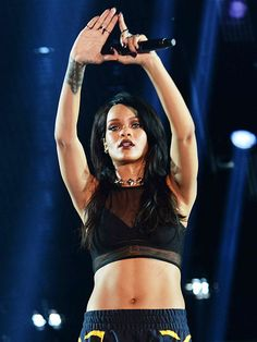 Star Tracks: Monday, August 11, 2014 | OPENING CEREMONY | She's out! Rihanna signs off during the opening night performance of her Monster tour (Eminem co-headlines) Thursday night at the Rose Bowl in Pasadena, California.