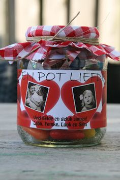 Pot vol liefde Little Presents, Diy Presents, Easy Gifts, Cute Gifts, Diy For Kids, Crafts For Kids, Mother's Day Theme, Cadeau Surprise, Love And Co