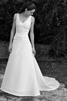robe de marie drape cache coeur avec traine assymtrique - Morelle Mariage