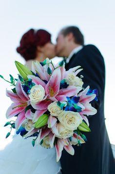 #donaameliedeolhonocasorio #weddingday #wedding #amelie #ameliepoulain #amour #instalove #noivos #amor #casorio #casamento #love #marriage #married #mimos #presentinhos #lembrancasdecasamento #weddinbouquet #bouquet #flowers