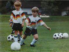Football Players Childhood Pics ( 1100+ pics): May 2012
