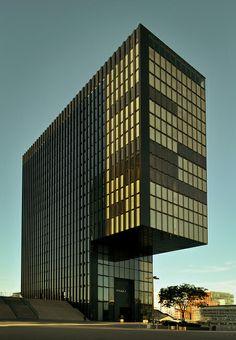 Hyatt Hotel - Düsseldorf by Burçin YILDIRIM, via Flickr