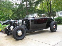 1930-31 Ford roadster on '32 frame.