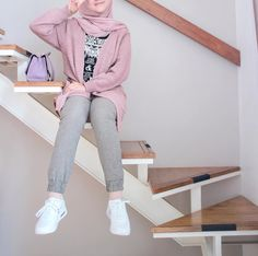 Casual Hijab Outfit, Ootd Hijab, Hijab Chic, Casual Outfits, Muslim Fashion, Modest Fashion, Colorful Fashion, Trendy Fashion, Hijab Teen
