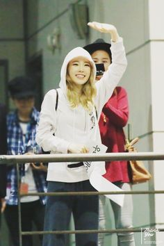 Thank You (39) ‏@taeyeon39com 151024 아티움 퇴근 http://taeyeon39.com/69576