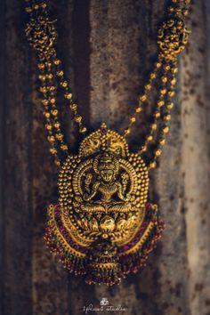 South Indian Jewelry -  Karan & Yashaswini wedding story   WedMeGood   Temple South Indian Jewelry with Ruby Hangings #wedmegood #indianbride #indianwedding #templejewelry #southindianjewelry #gold #ruby #southindianbride