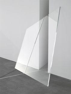#minimal #white #glass