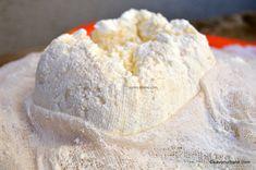 Cum se face urda de casa? (branza ricotta)   Savori Urbane Cooking Cheese, Ricotta, Cata, Ice Cream, Bread, Desserts, Food, Activities, Sweet Treats