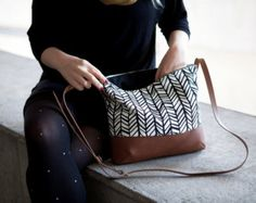 https://www.etsy.com/listing/201101932/big-tote-bag-fabric-daybag-light-blue?ref=shop_home_active_85
