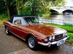 Triumph Stag - Horror stories not withstanding, I'd love a Triumph… Retro Cars, Vintage Cars, Antique Cars, Vintage Models, British Sports Cars, British Car, Convertible, Triumph Motor, Classic European Cars