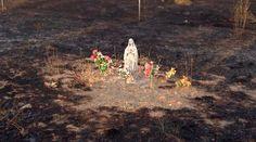 El pasado 30 de julio la ola de calor en España provocó un incendio que dañó el interior de la base militar El Goloso, ubicada al norte de la capital. Cuando el personal sofocó las llamas se dieron con la sorpresa de que la imagen de la Virgen María del lugar permaneció intacta.
