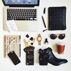 Whats in my bag (Bag organization) Photo by margaret__zhang