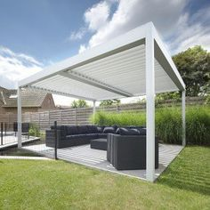 "Umbris Louvre Roofs featured in Grand Designs a ""Perfect Example of Contemporary Solar Shading"""