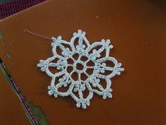 Crochet snowflake…free pattern.