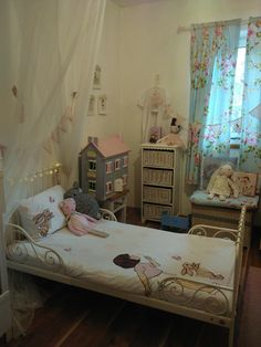 Belle and Boo bedroom