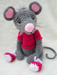 pink nose mouse with red sneakers