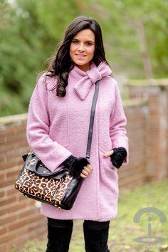 Abrigo rosa + Bolso leopardo Crimenes de la Moda - Pink Coat Chicwish - Animal print Karen Millen bag