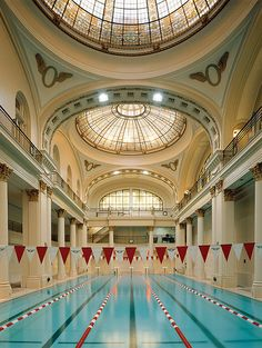 San Fancisco Architecture : The swimming pool at the Olympic Club in San Francisco x Indoor Swimming Pools, Swimming Pool Designs, Lap Pools, San Francisco California, California Dreamin', Home Decor Instagram, Olympic Club, San Francisco Pictures, Boho Home