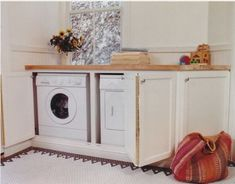 Hiding a washer/dryer while also making more counter space.