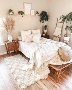 Room Ideas Bedroom, Home Decor Bedroom, Master Bedroom, Bedroom Inspo, Bedroom Designs, Boho Chic Bedroom, Bedroom Rugs, Stylish Bedroom, Boho Bed Room