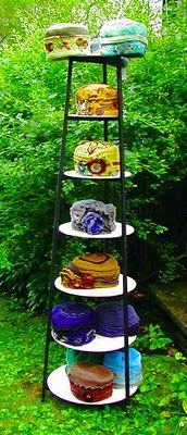 Cynthia Emerlye Vermont artist and life coach: New Hat Rack and the Challenge o Craft Fair Displays, Store Displays, Hat Display, Display Ideas, Booth Ideas, Pvc Pipe Projects, Diy Projects, Antique Booth Displays, Hat Storage