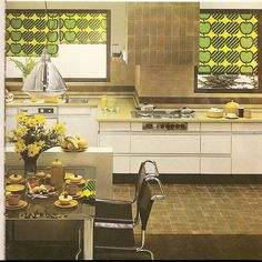 Super Seventies - Interior design: kitchen with apple motifs. Mid-century Interior, Vintage Interior Design, Vintage Interiors, Interior Design Kitchen, 1970s Decor, Retro Home Decor, Vintage Decor, Retro Vintage, 1970s Kitchen