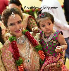 lakshmi_manchu_jewellery_at_manoj_wedding