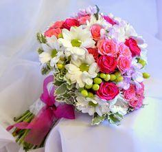 Оформление свадьбы в Казани,букет невесты,розы,ромашки