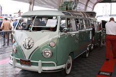 Deluxe Samba 23-window VW bus