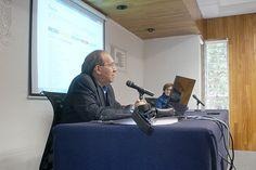 """Conferencia del Dr. Raúl Trejo Delabre: """"Redes sociodigitales. Oportunidad y desafío para las Ciencias Sociales"""". Seminario: Visiones sobre Mediación Tecnológica en Educación, Quinta Sesión, 8 de septiembre de 2014."""