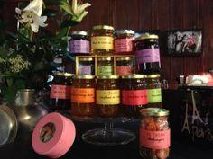 I dilci prodotti di Florian alla frutta e ai fiori, diretti dall'entroterra di Nizza