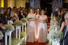 Damas de honra adultas rumo ao altar - Foto Giovani Garcia Fotografia