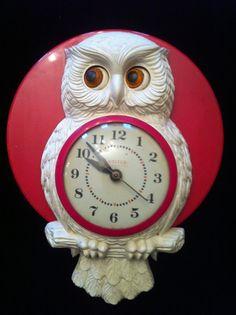 Retro Owl Kitchen Clock with Moving Orange Eyes.
