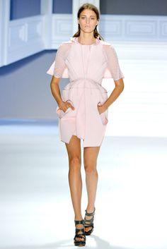 Vera Wang Spring 2012 Ready-to-Wear Fashion Show - Claire de Regge