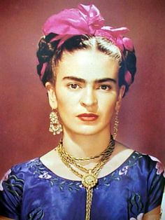 Frida Kahlo Mexican Painter who was married to Diego Rivera and was knows for her self portraits. Diego Rivera, Frida E Diego, San Diego, Karneval Diy, Kahlo Paintings, Mexican Artists, Madame, Belle Photo, Les Oeuvres