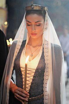- Georgian traditional clothing by Samoseli Pirveli Medieval Dress, Medieval Fantasy, Dark Autumn, Fantasy Costumes, Eva Green, Diana Penty, Folk Costume, Headdress, Traditional Outfits