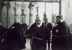 Padre Pio con padre Tarcisio Zullo da Cervinara (a destra)
