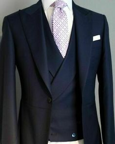 2020 Navy Blue Men's Wedding Suits Groom Best Man Party Tuxedos Tailored 3 Pieces NEW Formal Prom Suit (Jacket+Pants+Vest) Sharp Dressed Man, Well Dressed Men, Mens Fashion Suits, Mens Suits, Mens 3 Piece Suits, Moda Men, Mode Costume, Suits For Sale, Mode Masculine