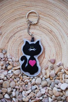 Kitty with a pink heart - key chain pendant