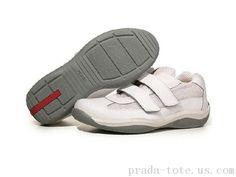 Prada Footwear in White Prada Sneakers, Sneakers Nike, Prada Tote, Cheap Nike Air Max, Prada Men, Michael Kors Outlet, Men's Collection, Nike Free, Balenciaga