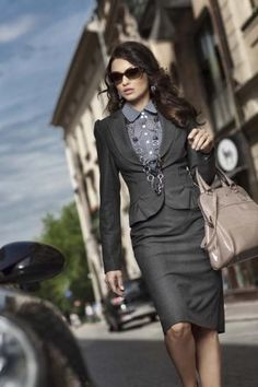 For a business formal environment, keep jewelry minimal   |  Follow Rita and Phill for more tips on the unwritten rules of office fashion !https://www.pinterest.com/ritaandphill/conservative-office-outfits/